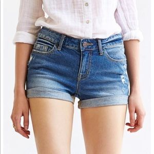 Urban Outfitters BDG Mid Rise Shortie